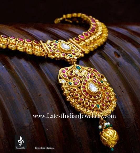 Classic Antique Gold Necklace