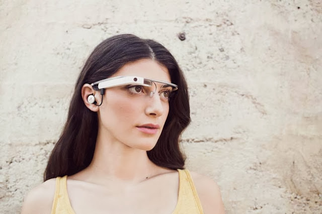 Google announced details of a new Google Glass accessory store that has opened its doors