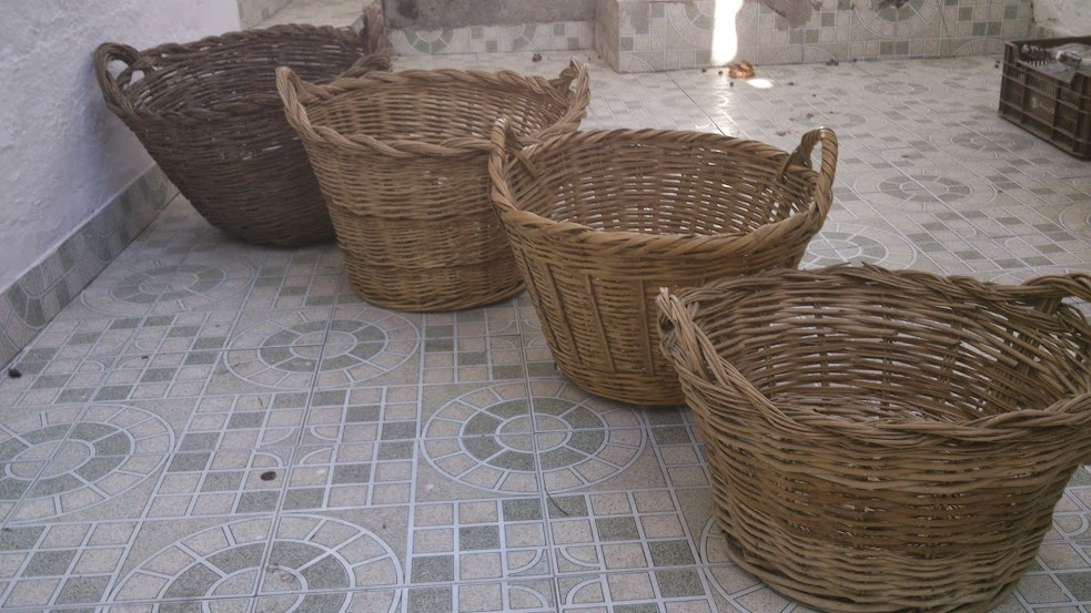 Objetos antiguos de decoraci n cestos de mimbre - Cestos de mimbre ...