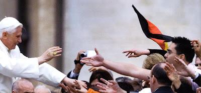 """VATICANO - Mensagem do Papa aos jovens: """"sejam missionários da alegria, sejam missionários entusiastas da nova evangelização!"""""""