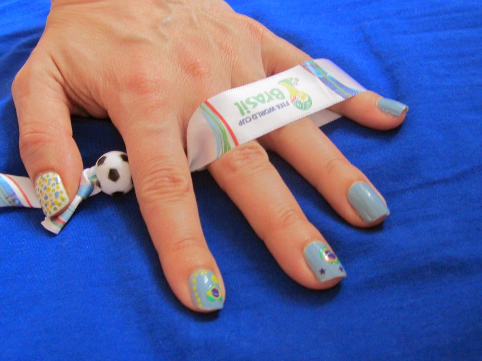 The Italian dress: Blue nail polish + flag stickers! easy Brazilian ...