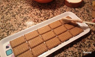 colocamos las galletas en una bandeja