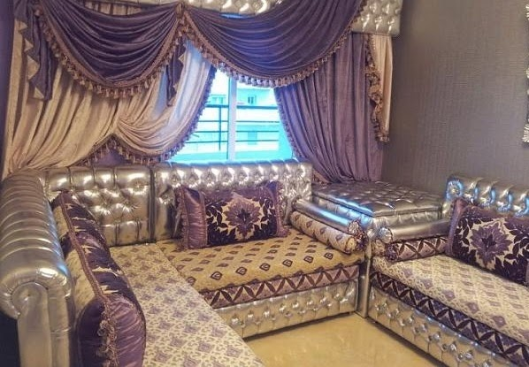 salons du maroc et d coration orientale salon marocain banquettes sculpt. Black Bedroom Furniture Sets. Home Design Ideas