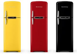 Fotos de eletrodoméstico coloridos, amarela, preta, vermelha
