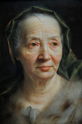 http://upload.wikimedia.org/wikipedia/commons/5/53/Alte_frau_seybold.jpg