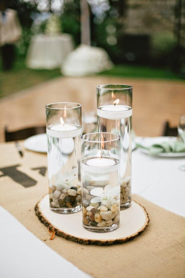 las bodas campestres tambin tienen espacio para las velas flotantes tal y como podemos ver en la foto anterior coloca piedras en el fondo