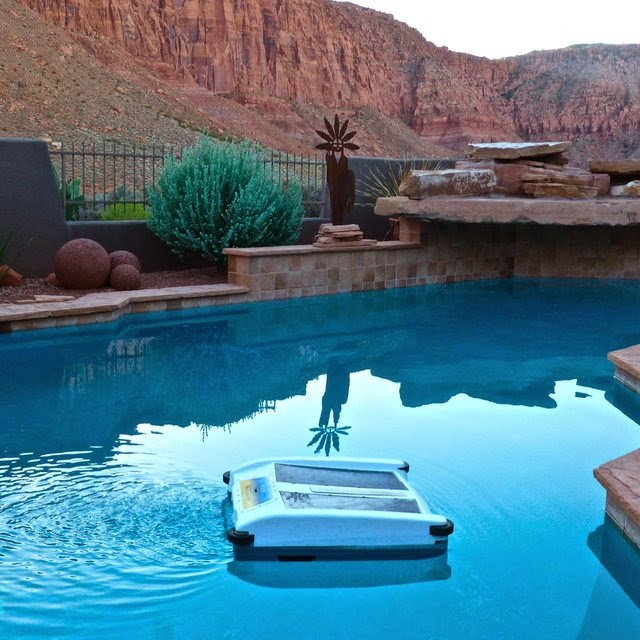 Must Have Housekeeping Gadgets - Robotic Solar Swimmingpool Cleaner