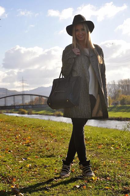 Goldener Herbst, Schwarz-weißes Outfit, Autumn Look