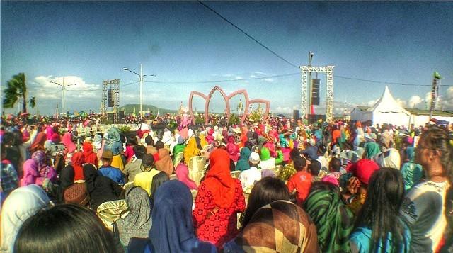 Peragaan busana Muslim 2015 di Muncar, Banyuwangi
