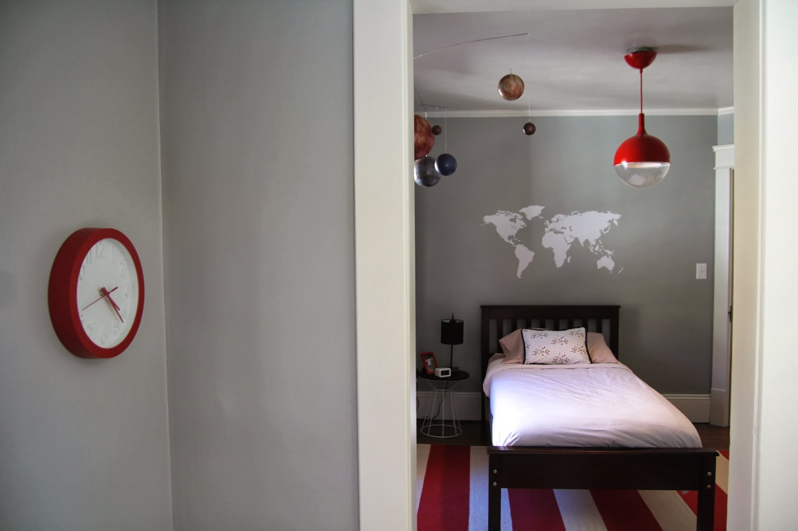 i am emme wes 39 s bedroom reveal. Black Bedroom Furniture Sets. Home Design Ideas
