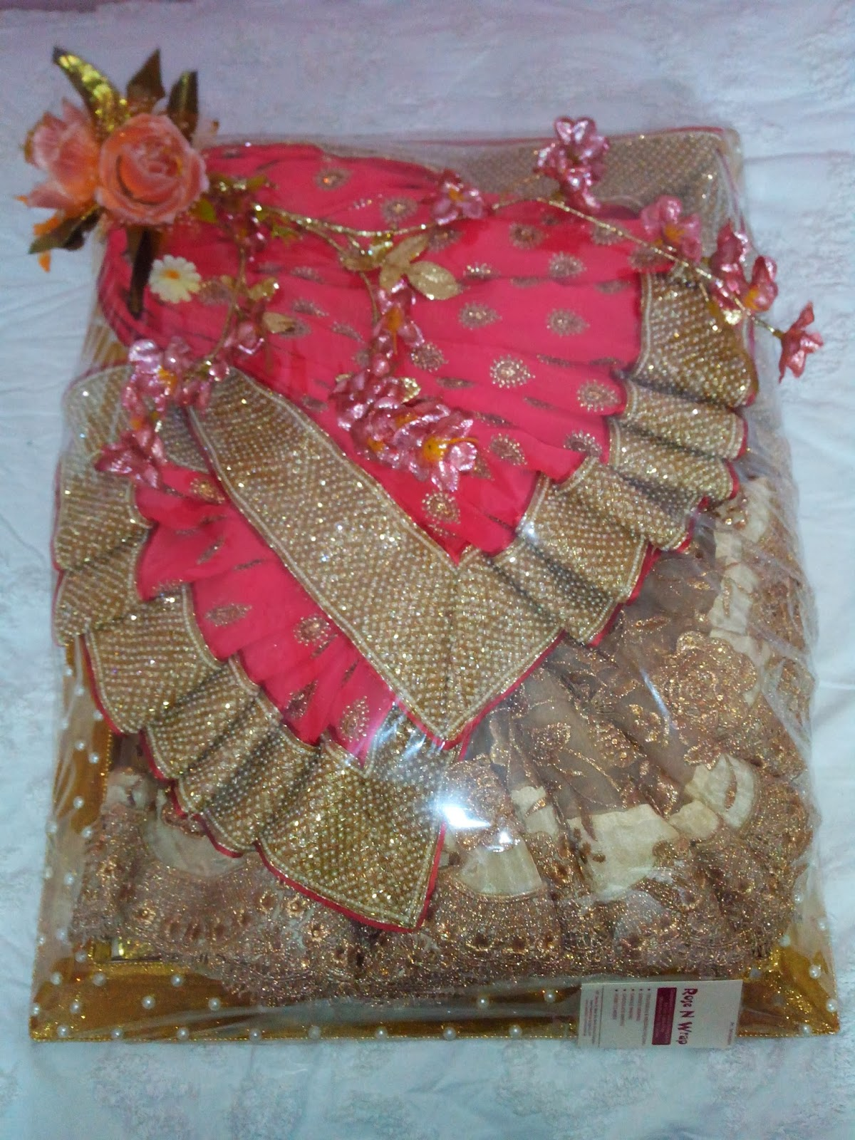 Rose N Wrap Saree Packing Done In Flower Theme