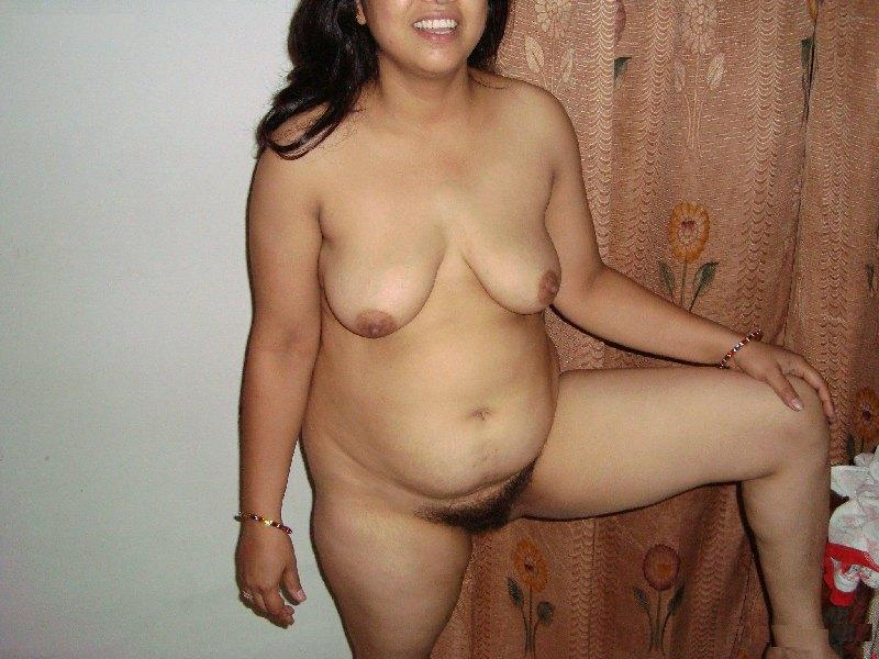Nude Indian Aunty and aunty Pictures Club