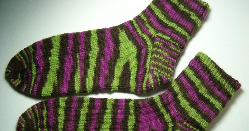Knit Pattern For Moon Socks : Patchouli Moon Studio: Hand Knit Socks