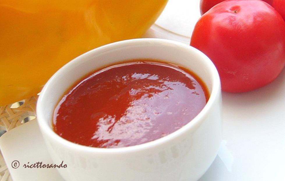 Marmellata di peperoncini  ricetta calabrese di salsa piccante in confettura