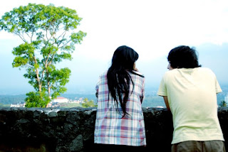 cara mencari cowok setia, tips mencari pasangan setia, bagaimana caranya agar punya cewek setia menerima apa adanya?
