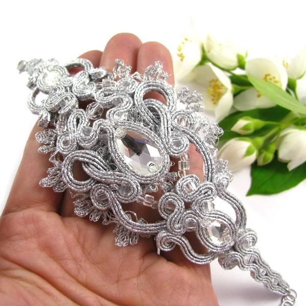 ażurowa bransoletka ślubna z koronką