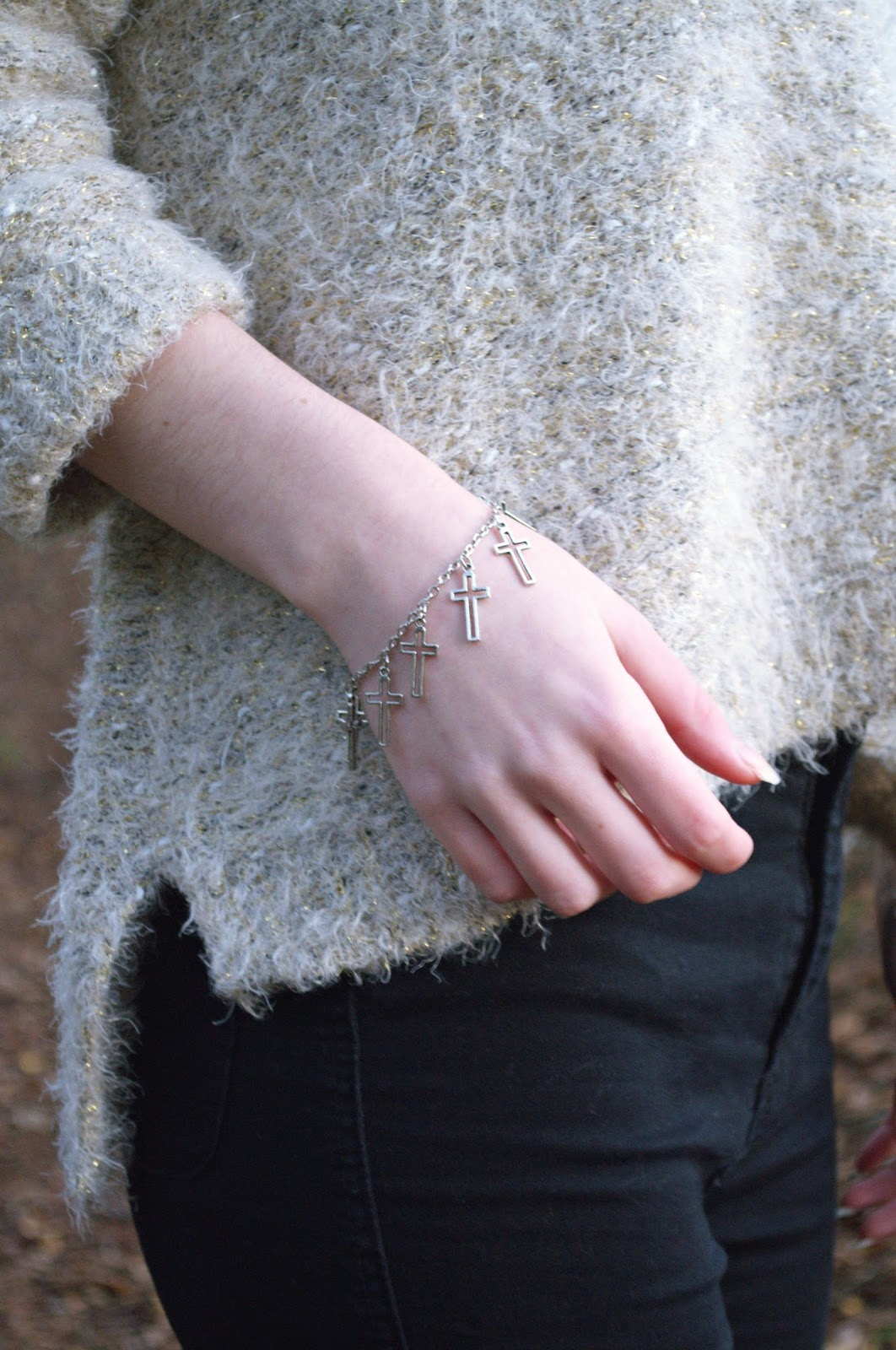 jewelsy silver cross bracelet