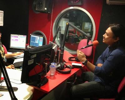Rakaman temubual secara langsung presiden PEKOMIK di program radio Ala Carte Pagi, Bernama Radio24