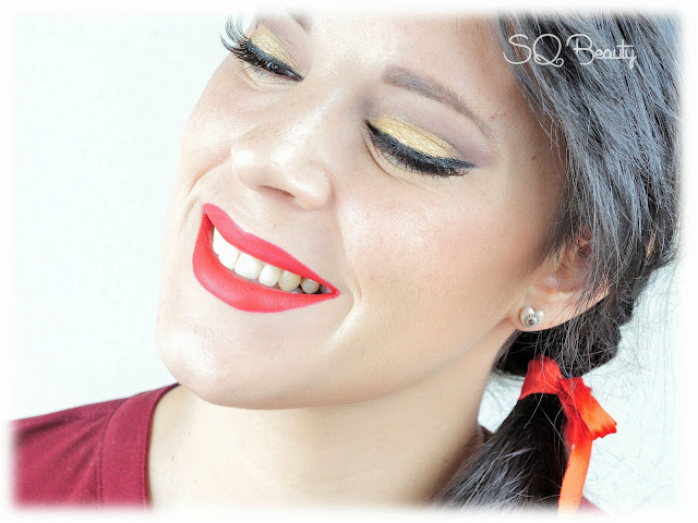 Maquillaje fin de año último minuto clásico labios rojos, classic new year´s eve makeup read and gold