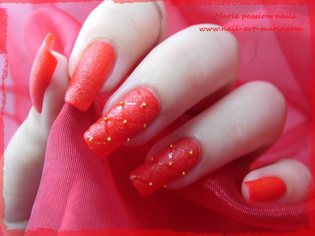 Nail art effet cuir capitonné 8