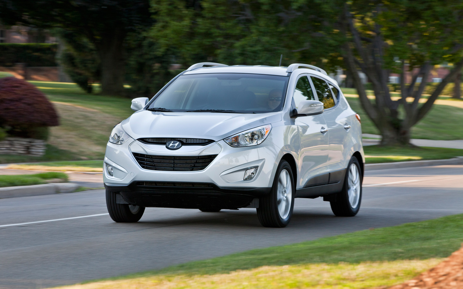 most wanted cars hyundai tucson 2013. Black Bedroom Furniture Sets. Home Design Ideas