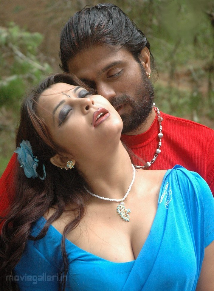 tamil movie thappu Hot