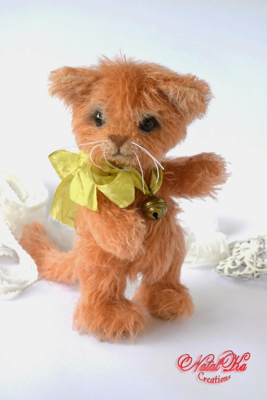 Artist teddy cat handmade by Natalka Creations.