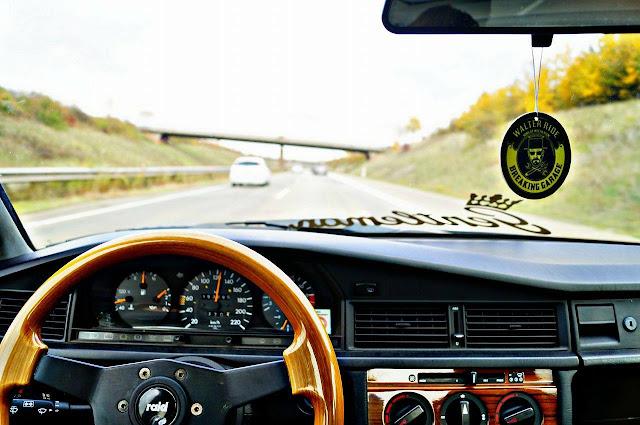 w201 wooden steering wheel