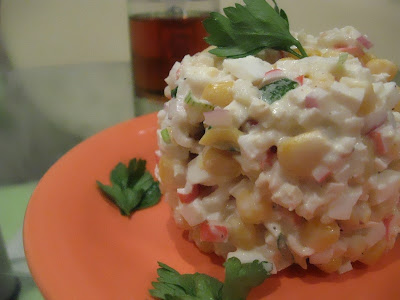салат с крабовыми палочками - вкуснятина