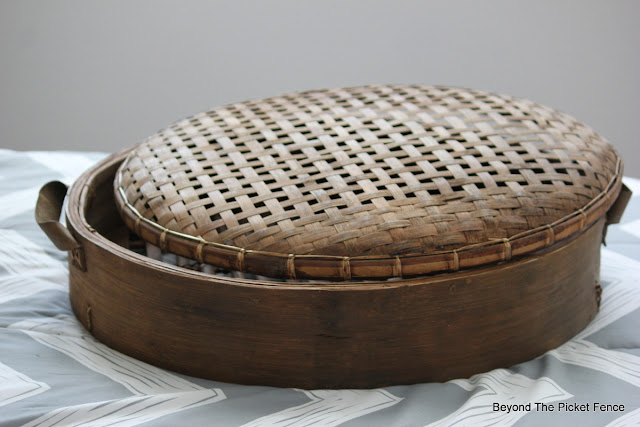 bamboo basket,mirror, repurposed, upcycled, round mirror, http://bec4-beyondthepicketfence.blogspot.com/2015/10/round-basket-mirror.html