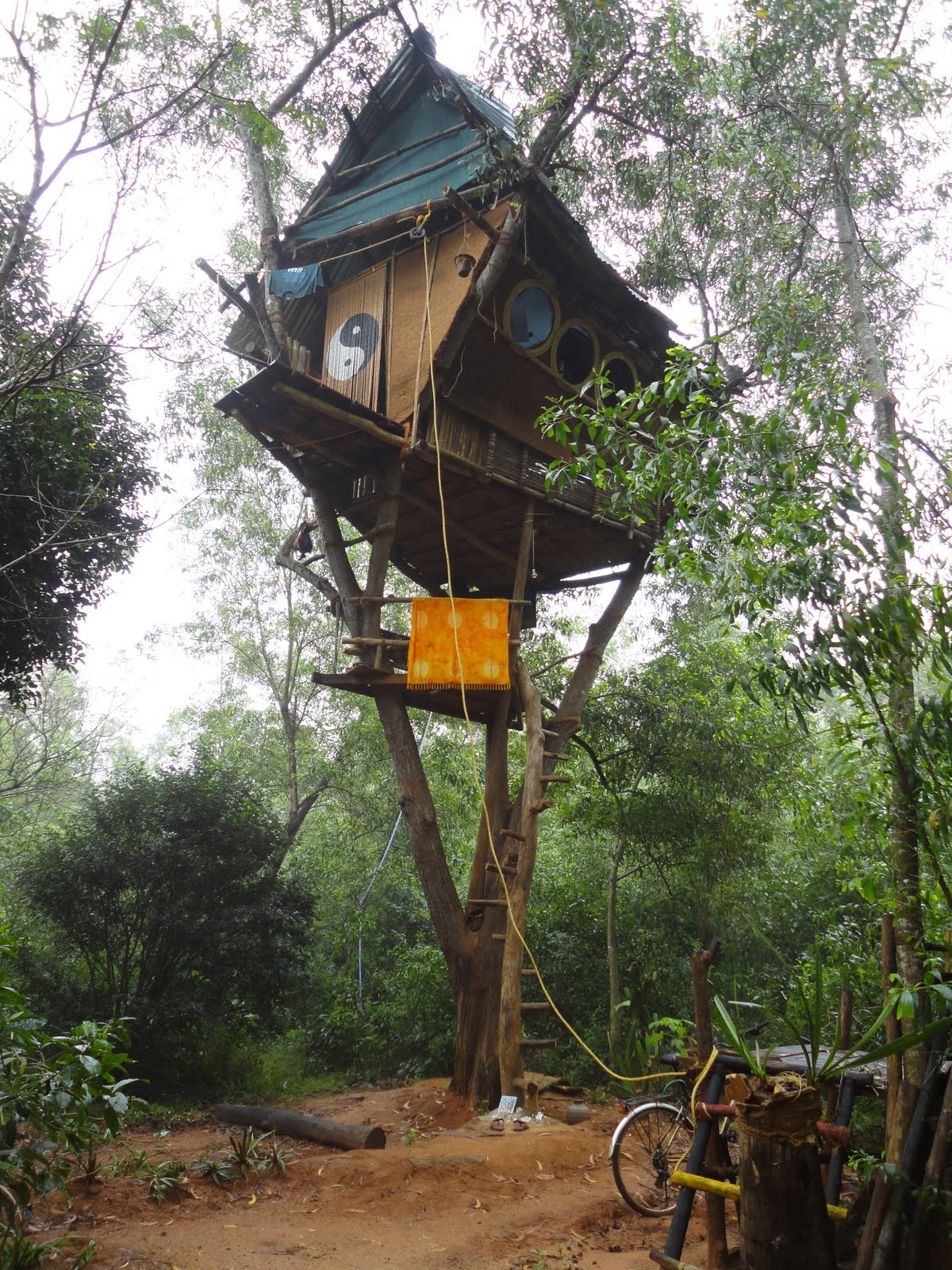 Free home plans simple tree house plans for Free treehouse plans