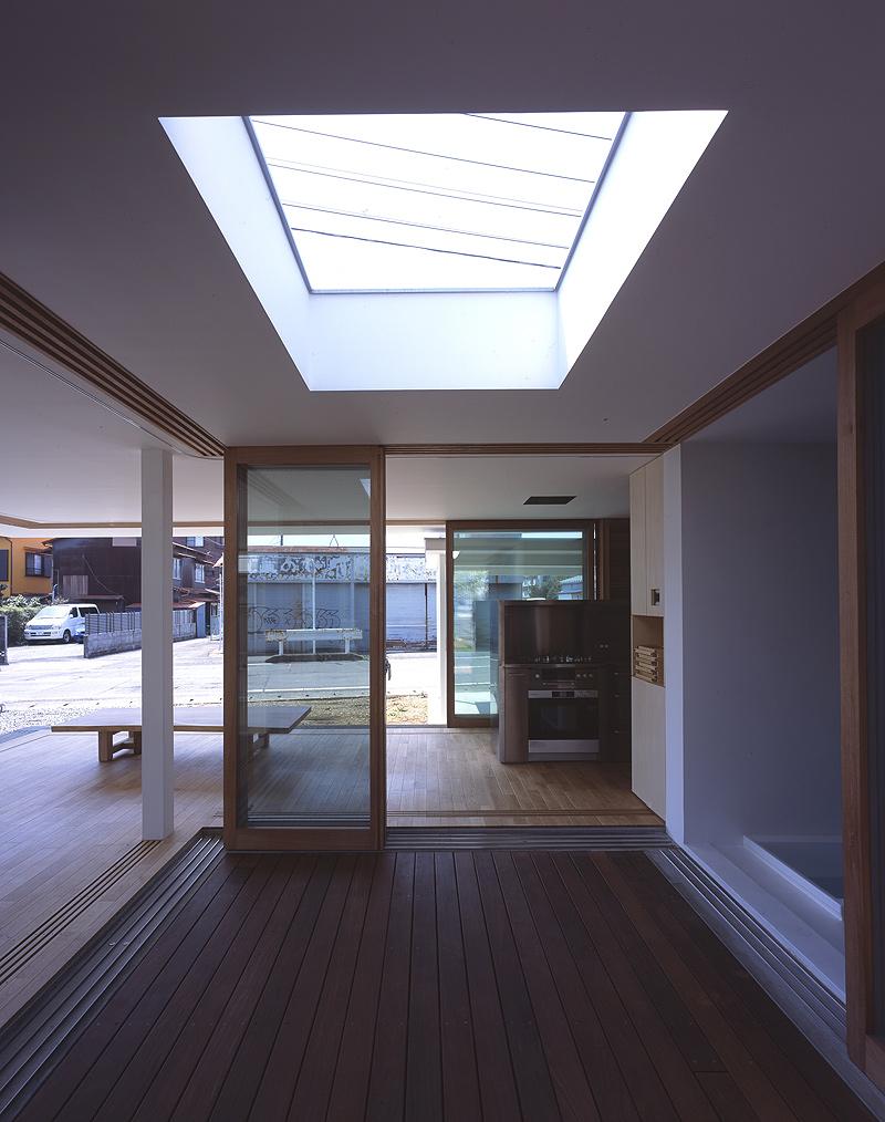 Interiores minimalistas la casa sin paredes del estudio for Interiores minimalistas