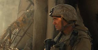 Zac Efron (Logan)