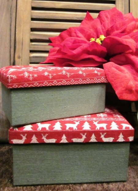 Cajas forradas tapa roja motivos Navidad