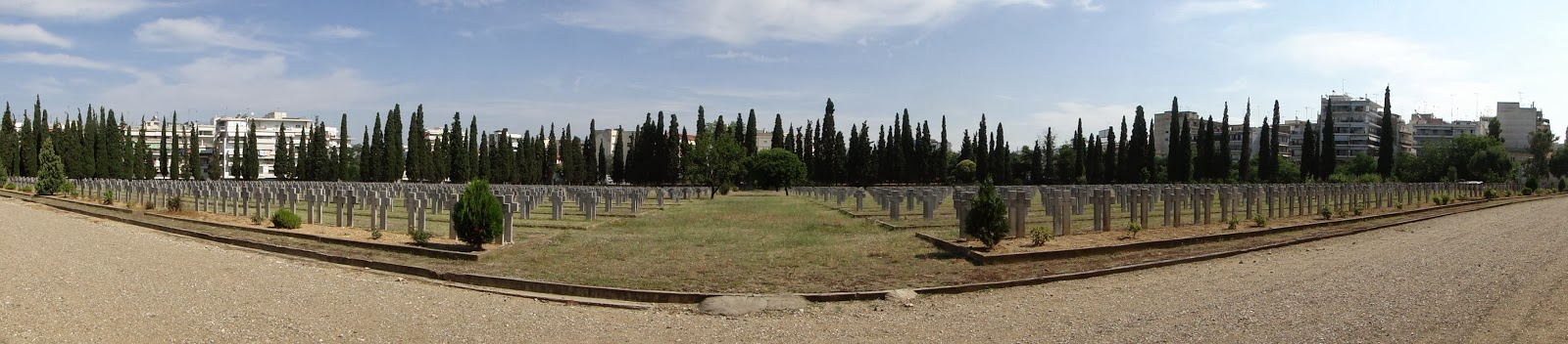 Memorial_park_of_Zeitenlik,_Thessaloniki,_French_sector-Τα συμμαχικά νεκροταφεία του Ζέιτενλικ