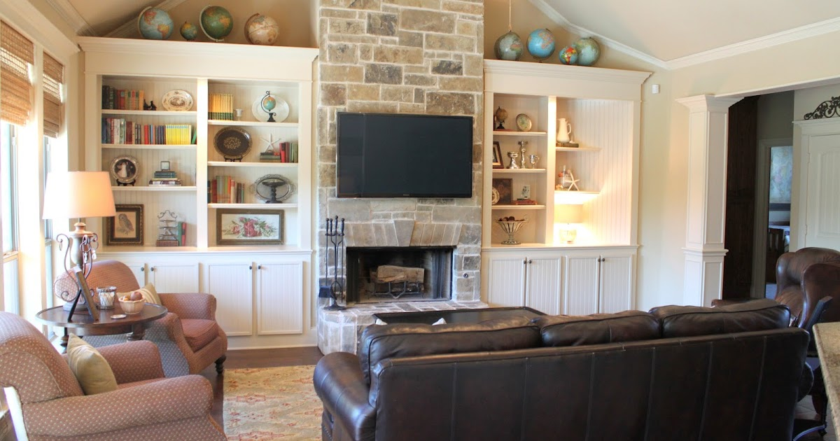 It 39 s a wannabe decorator 39 s life living room before after for Living room built ins