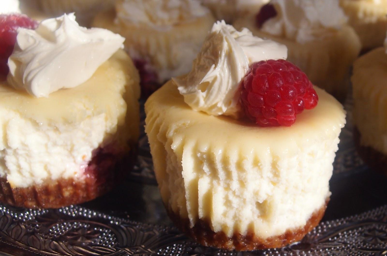 Hello Carla: Summery Cheesecake Cupcakes
