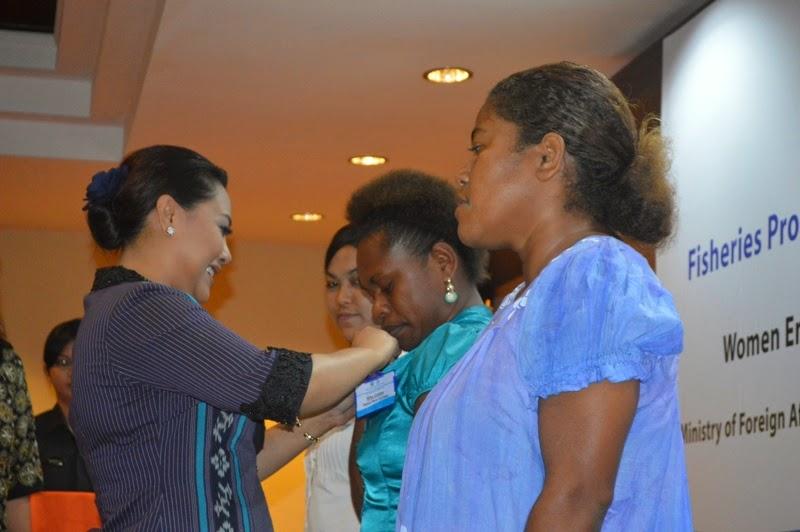 Bupati Tabanan sematkan tanda peserta