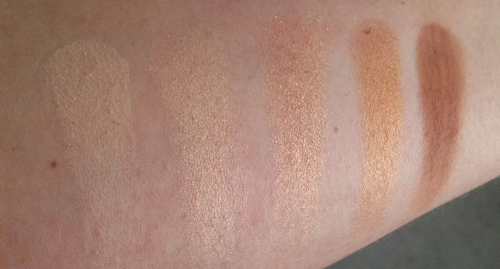 MAC Warm Neutral Palette - middle row swatches Brule, Vanilla Extract, Honey Lust, Amber Lights and Saddle