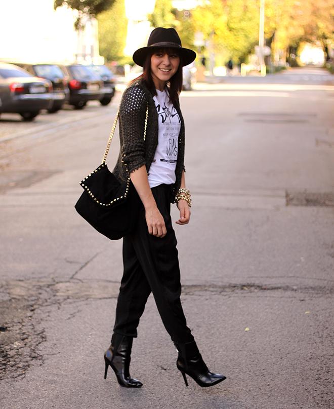 outfit-trend-fashionblogger-baggyhose-loosepants-printshirt-zara-ankleboots-khaki-fall-winter-hat