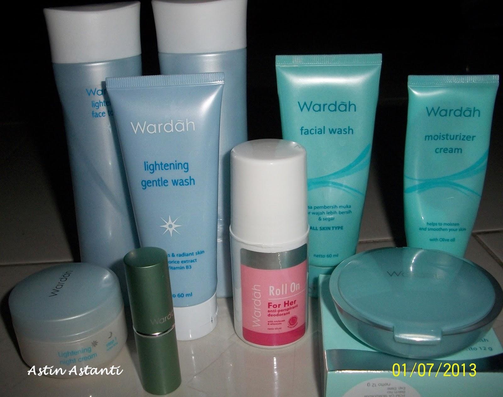 Itu saja yang membuat aku jatuh cinta dengan kosmetik Wardah hingga kini Pun bukan hanya bedak pelembab lipstik tapi deodorant buat suamiku punya Wardah