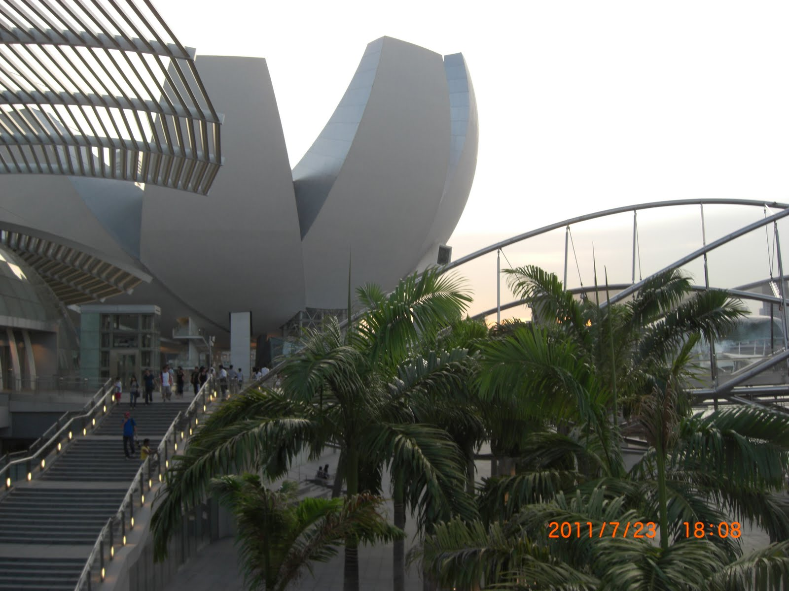 visitor in singapore art museum essay Singapore art museum: pay a visit - see 486 traveler reviews, 470 candid photos, and great deals for singapore, singapore, at tripadvisor.