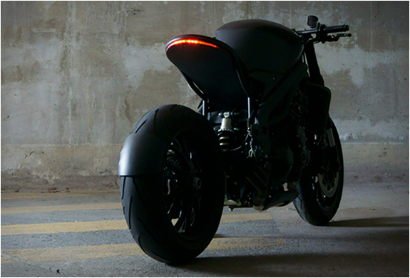TRIUMPH SPEED RACER | TRIUMPH SPEED TRIPLE | IMPOZ DESIGN | CUSTOM MOTORCYCLES