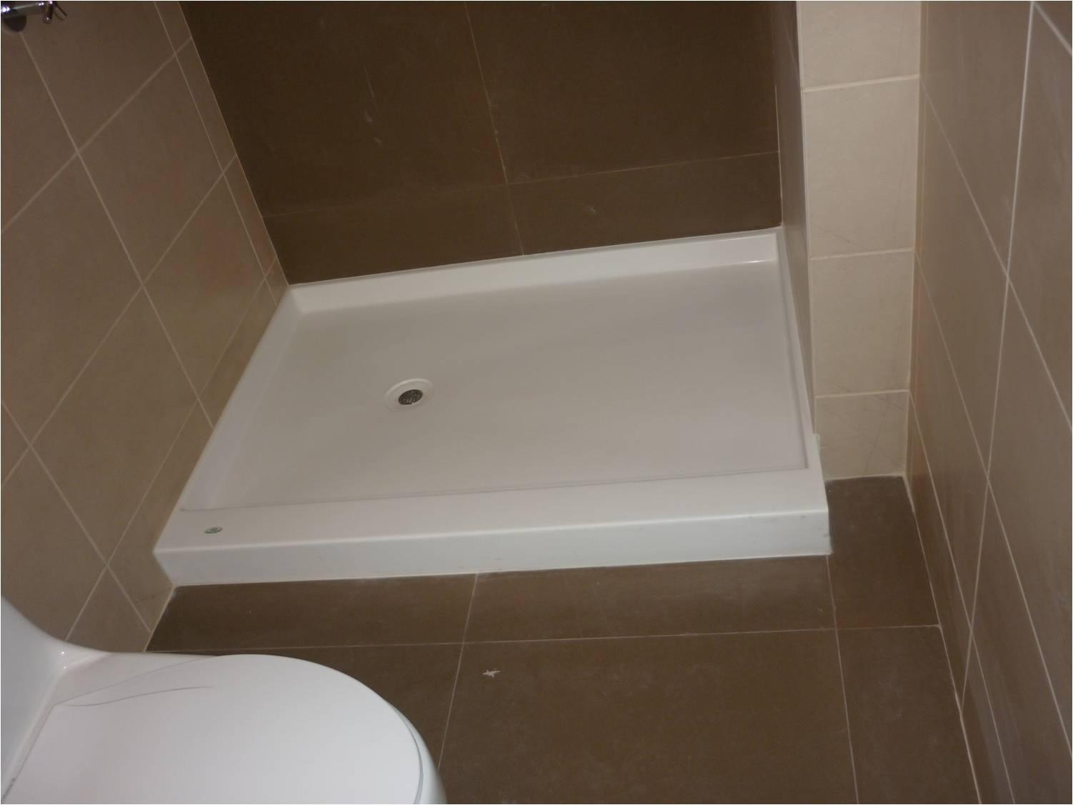 Bases ducha fino marmol fino marmol for Colores de marmol para banos