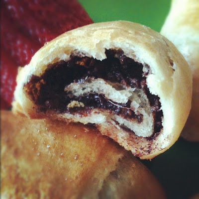 The Adventures of Kitchen Girl: Nutella Crescents