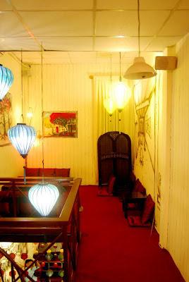 Đèn lồng Hội An trong không gian biệt thự, nhà hàng, quán cà phê