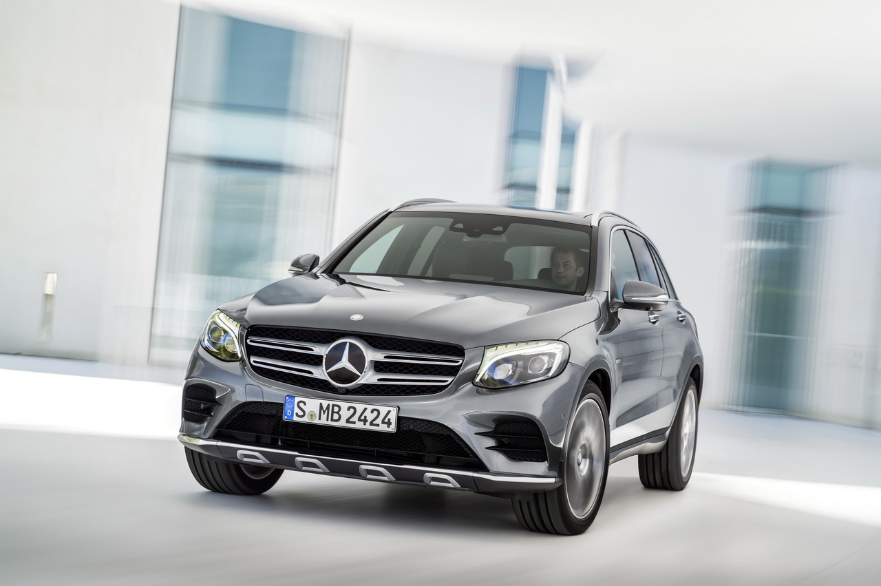 All new 2016 mercedes benz glc this is it carscoops for All new mercedes benz