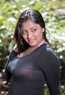 mounamana neram movie hot stills 09 Mounamana Neram Movie Latest Hot Stills Photos Images Pics