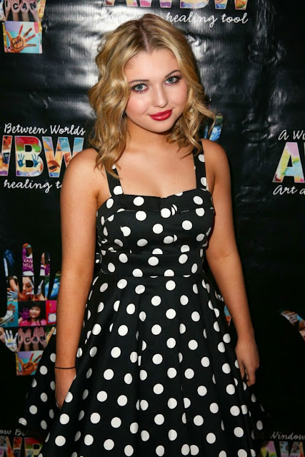 Sammi Nahratty Cute Teenager Beauty
