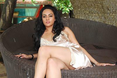 Shikha Puri sexy picture